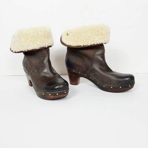Ugg lynnea burnished leather clog boots size 7